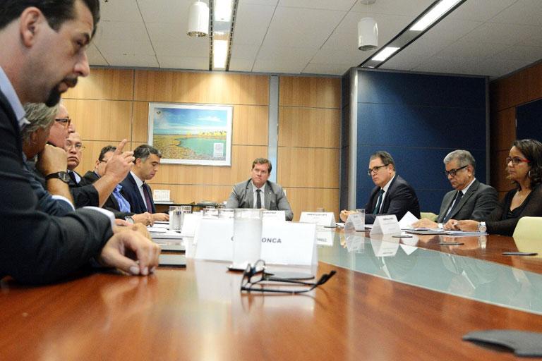 Grupo Fiore pede apoio ao ministro do Turismo para empreendimento no Litoral Norte